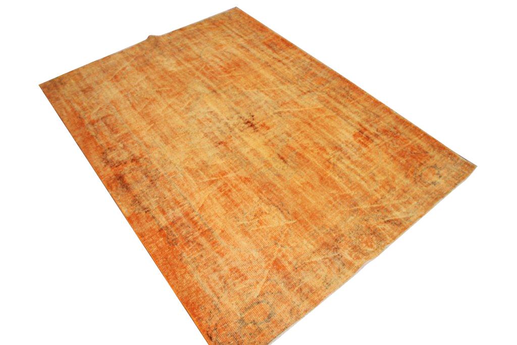 Oranje vintage kleed Nr 327D (254 cm x 190 cm) tapijt wat een nieuwe hippe trendy kleur heeft gekregen.