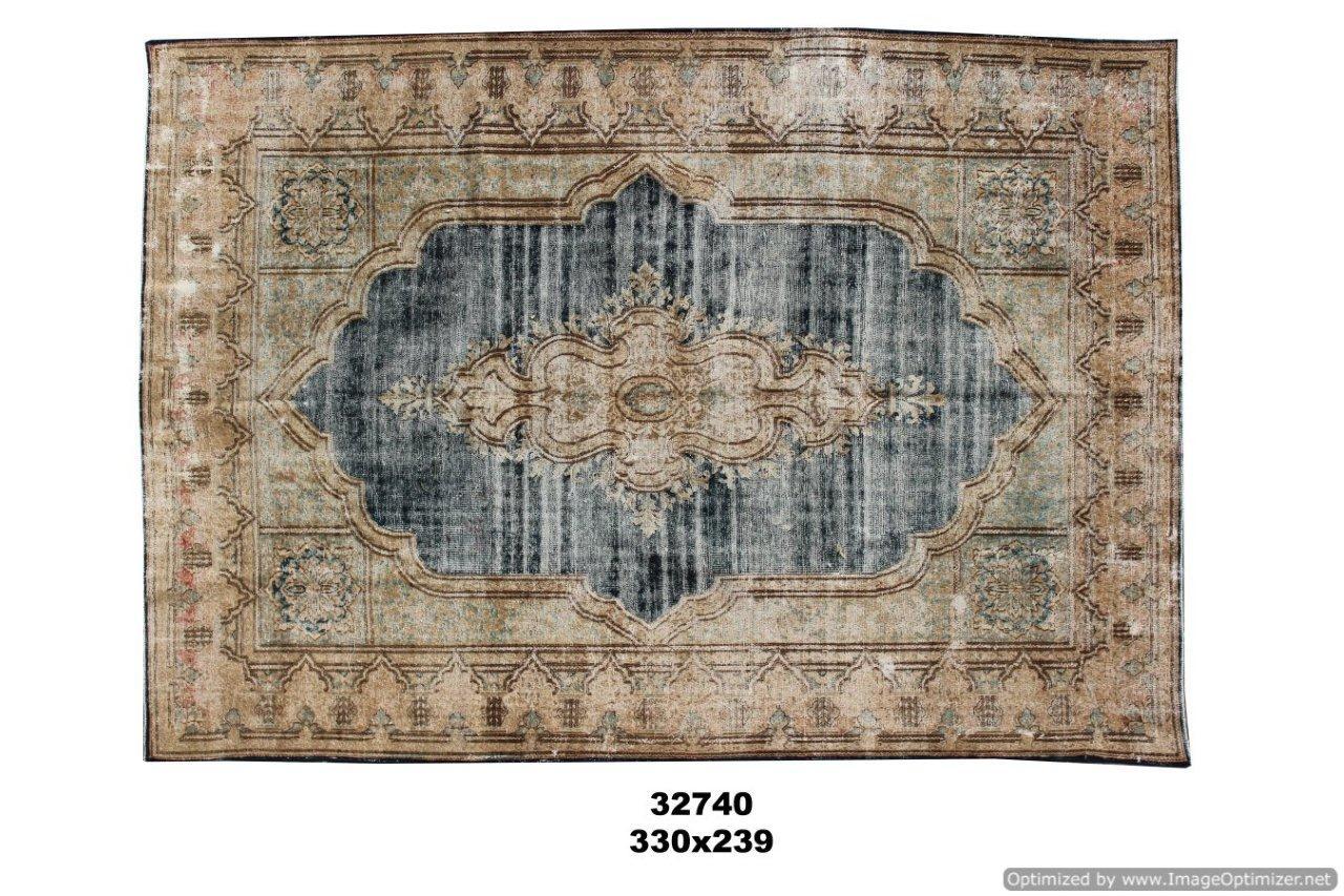 Beige met blauw authentieke tapijt no 32740(330cm x 229cm) groot vloerkleed wat een nieuwe hippe trendy kleur heeft gekregen.