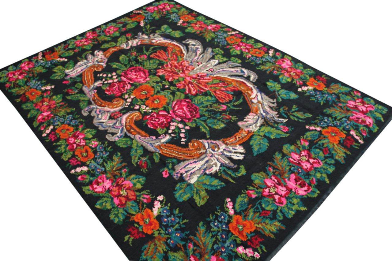 Kelim 324cm x 250cm, handgeweven uit Moldavië, no328 kelim is 30 tot 80 jaar oud en in perfecte staat.