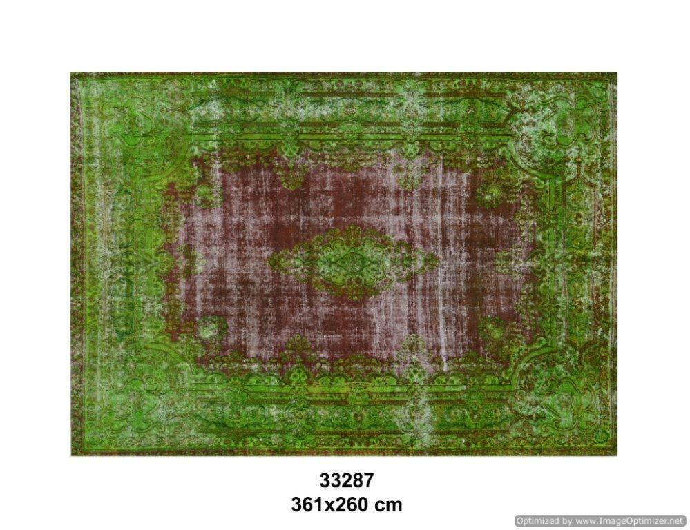 Vintage klassiek vloerkleed  uit Iran nr 33287 ( 361cm x 260cm) tapijt wat een nieuwe hippe trendy kleur heeft gekregen.