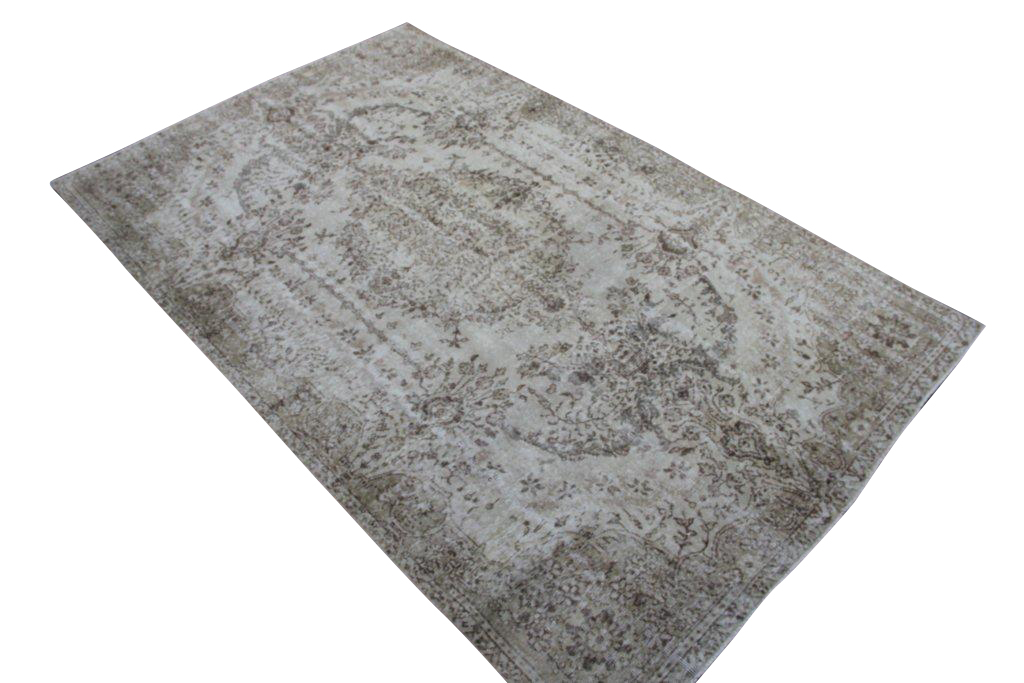 Licht vintage tapijt no 3562 (302cm x 192cm) vloerkleed wat een nieuwe hippe trendy kleur heeft gekregen.