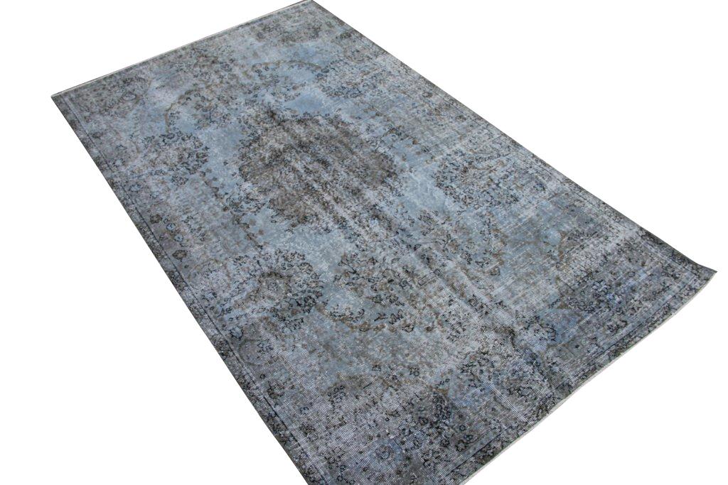 Taupe vintage tapijt no 3564 (284cm x 166cm) vloerkleed wat een nieuwe hippe trendy kleur heeft gekregen.