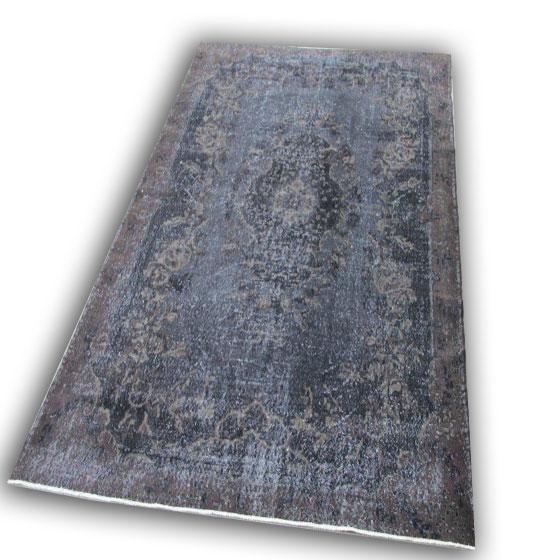 Zwart vintage vloerkleed gereserveerd  4 ( 313cm x 208cm)