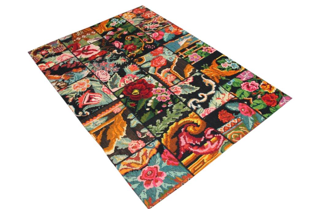 Kelim patch  422 (244cm x 173cm) rozenkelim patchwork, inclusief onderkleed van katoen.