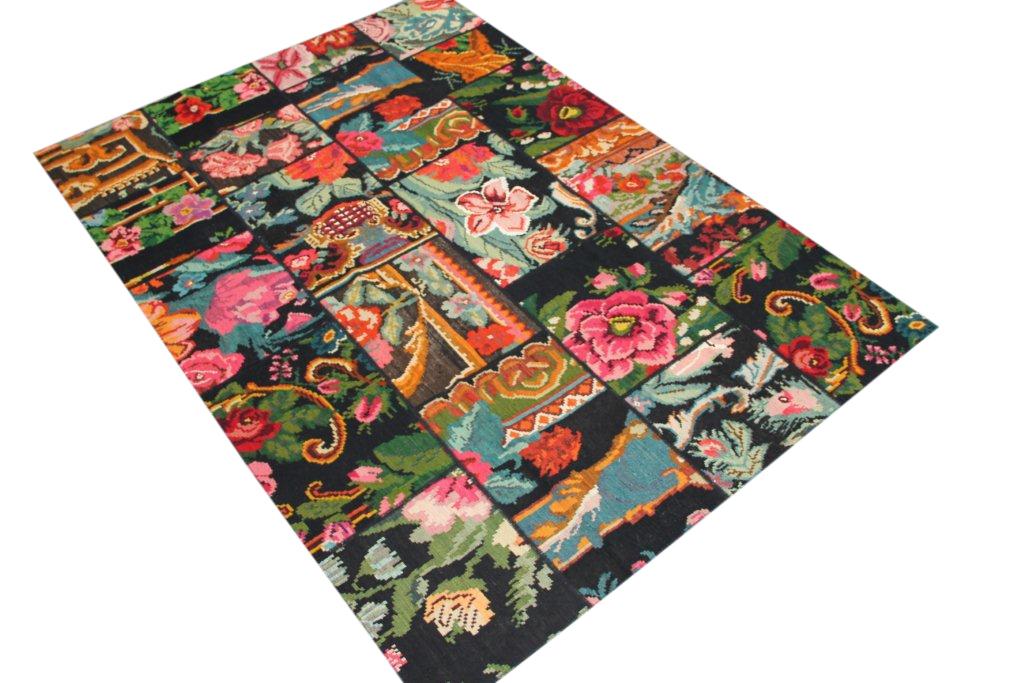 Patchwork  kelim 423 (273cm x 174cm) rozenkelim patchwork, inclusief onderkleed van katoen.