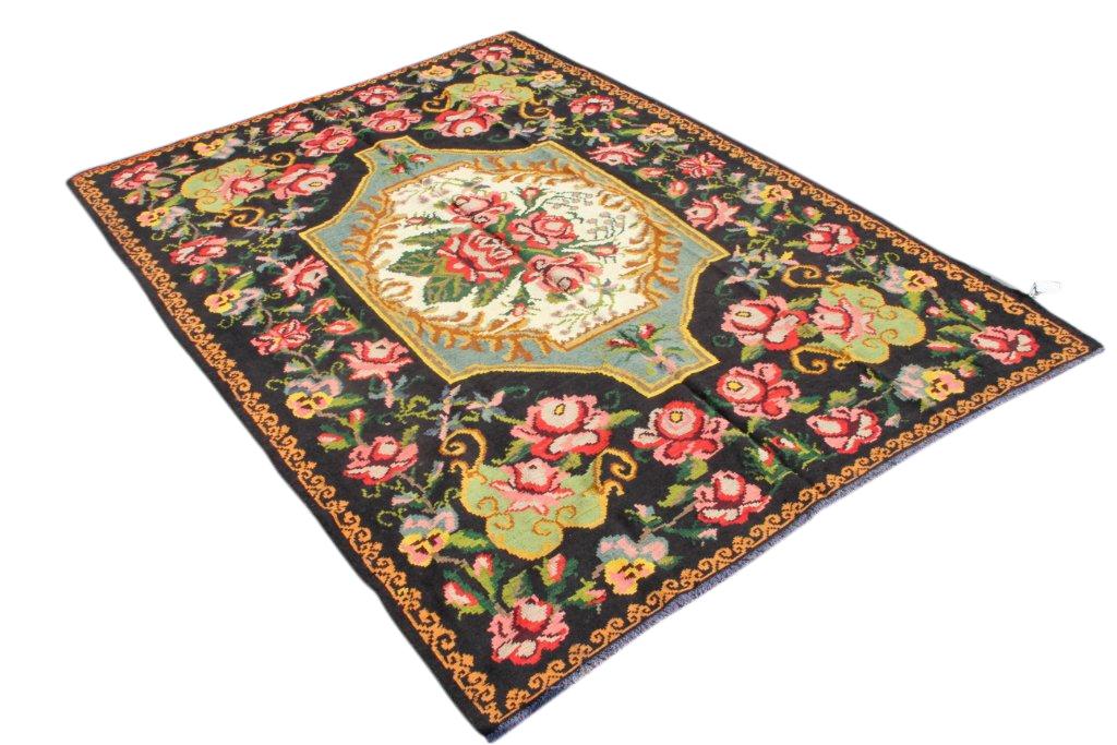 Kelim met rozen nr 4308 (203cm x 290cm) Handgeweven kelim in perfecte staat 30 tot 80 jaar oud.
