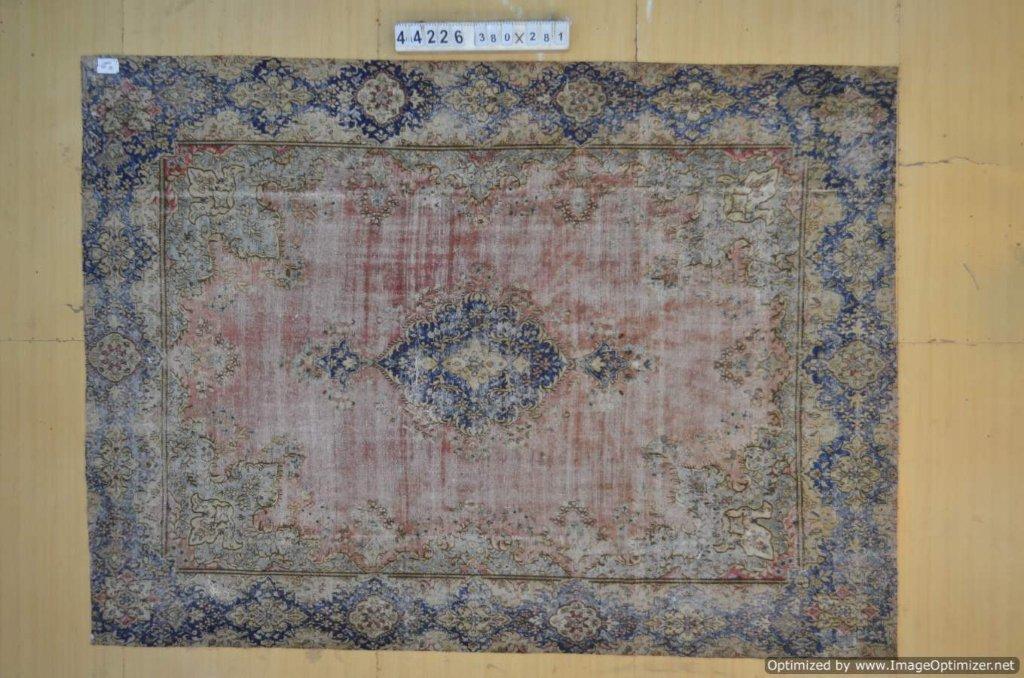 Blauw met rood 30 tot 80 jaar oud vloerkleed (geschoren en gewassen) 380cm x 281cm, no 44226 Leverbaar vanaf 10 februari, nu bestelbaar