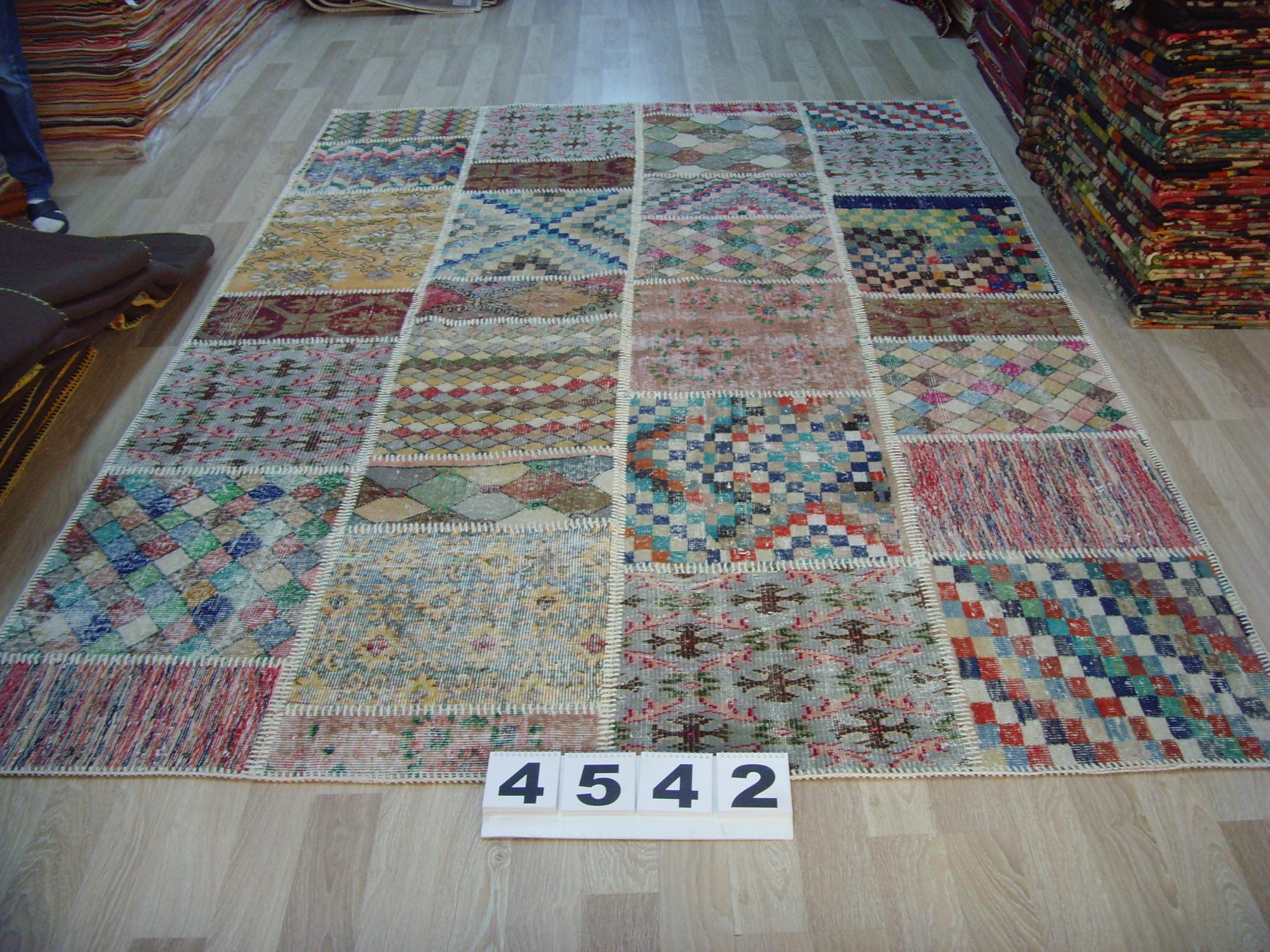 Patchwork vloerkleed   4539  (296cm x 198cm) gemaakt vintage vloerkleden incl.onderkleed van katoen.