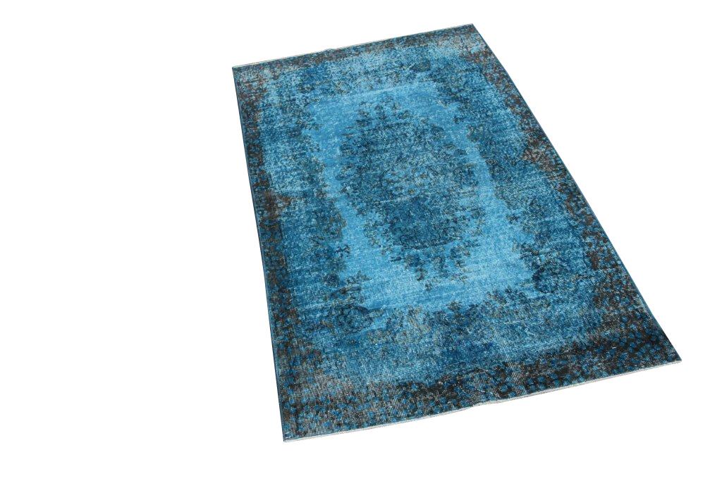 Blauw vintage vloerkleed nr 462  (210cm x  120cm) U kunt dit kleed bij ons online bestellen maar u kunt het ook bekijken en eventueel kopen bij eLiving in Utrecht.
