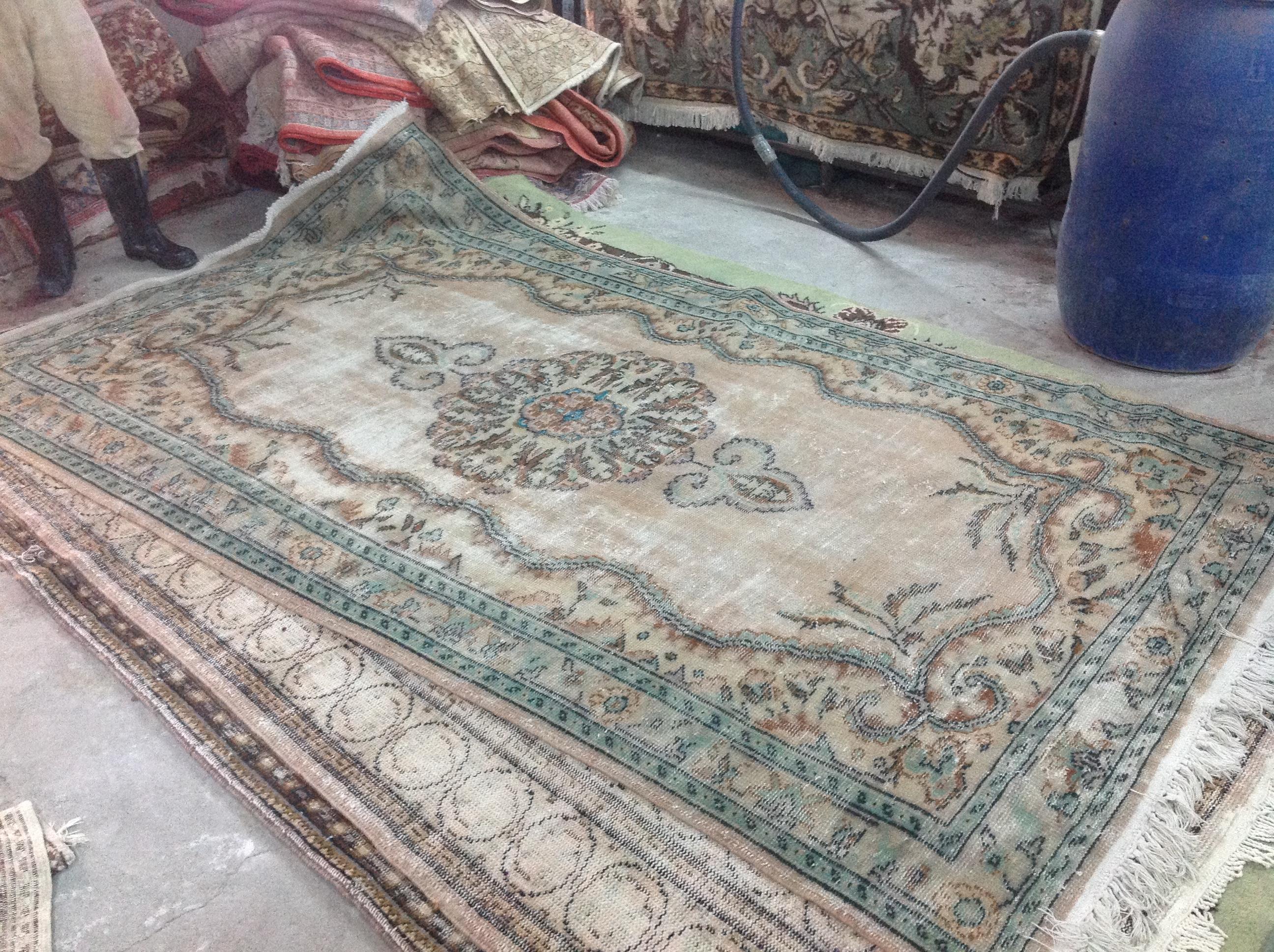 NIEUW INGEKOCHT vintage vloerkleed  uit Turkije 301cm x 177cm, no 4631  LEVERBAAR VANAF 15 DECEMBER