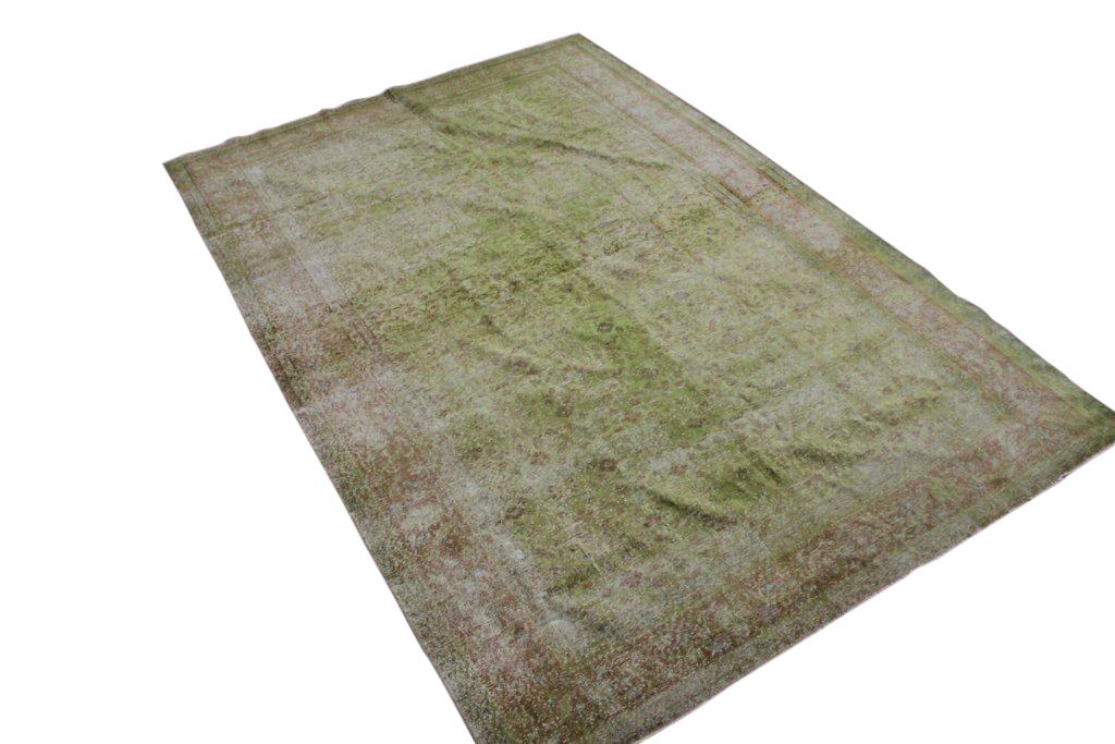Recoloured klassiek vloerkleed nr 471 (290 cm x 200 cm) tapijt wat een nieuwe hippe trendy kleur heeft gekregen.