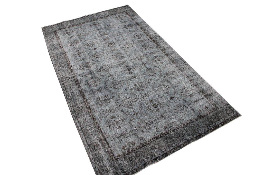 Grijs bruin recoloured vloerkleed nr 495   (300cm x 172cm) tapijt wat een nieuwe hippe trendy kleur heeft gekregen.
