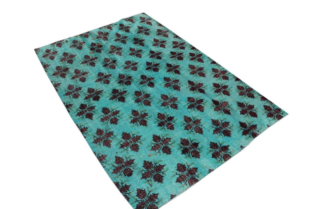 Mint kleurig vloerkleed 50D (270cm x 180cm) groot vloerkleed wat een nieuwe hippe trendy kleur heeft gekregen.