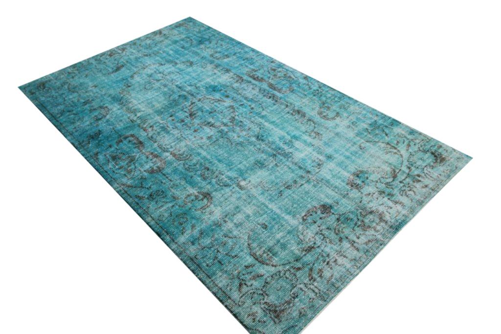 Blauw vintage tapijt no 500 (311cm x 191cm) vloerkleed wat een nieuwe hippe trendy kleur heeft gekregen.