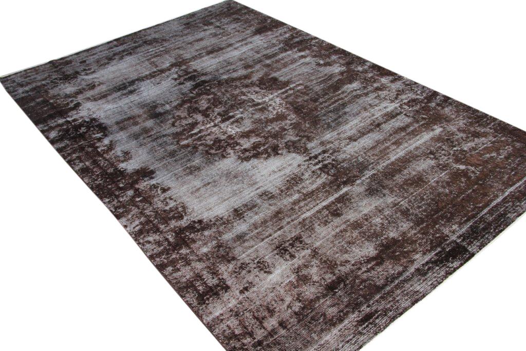 Bruin recoloured  vloerkleed nr 50048 (343cm x 225cm) (Dit kleed ligt bij Silo 6 in Harderwijk. U kunt het daar bekijken maar ook bij ons online bestellen).