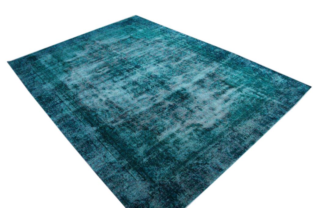 Blauw recoloured  vloerkleed nr 50056 (369cm x 279cm) tapijt wat een nieuwe hippe trendy kleur heeft gekregen. VOS