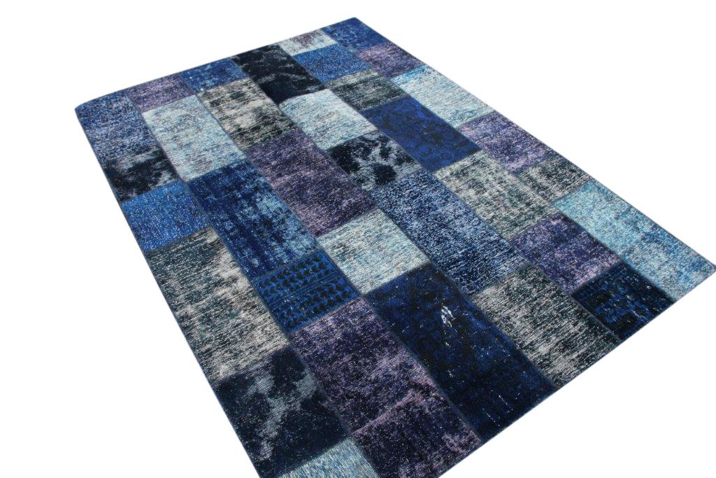 NIEUW BINNEN  blauw patchwork kleed  304cm x 210cm, no 51214 gemaakt uit oude perzen.
