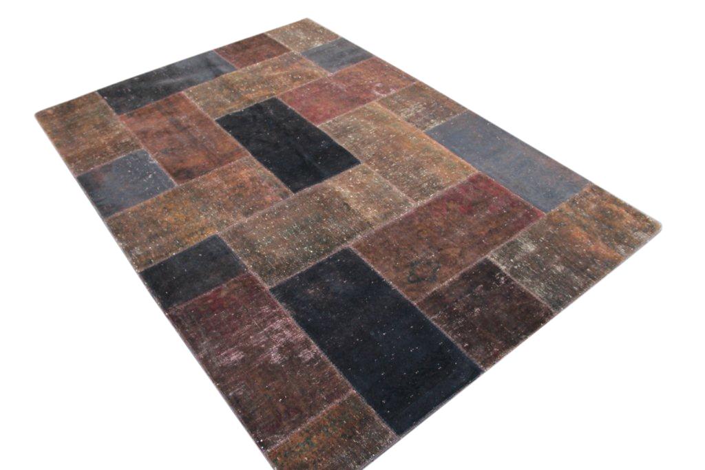 Patchwork vloerkleed in aardetinten 302cm x 212cm, no 51219 gemaakt uit oude perzen.