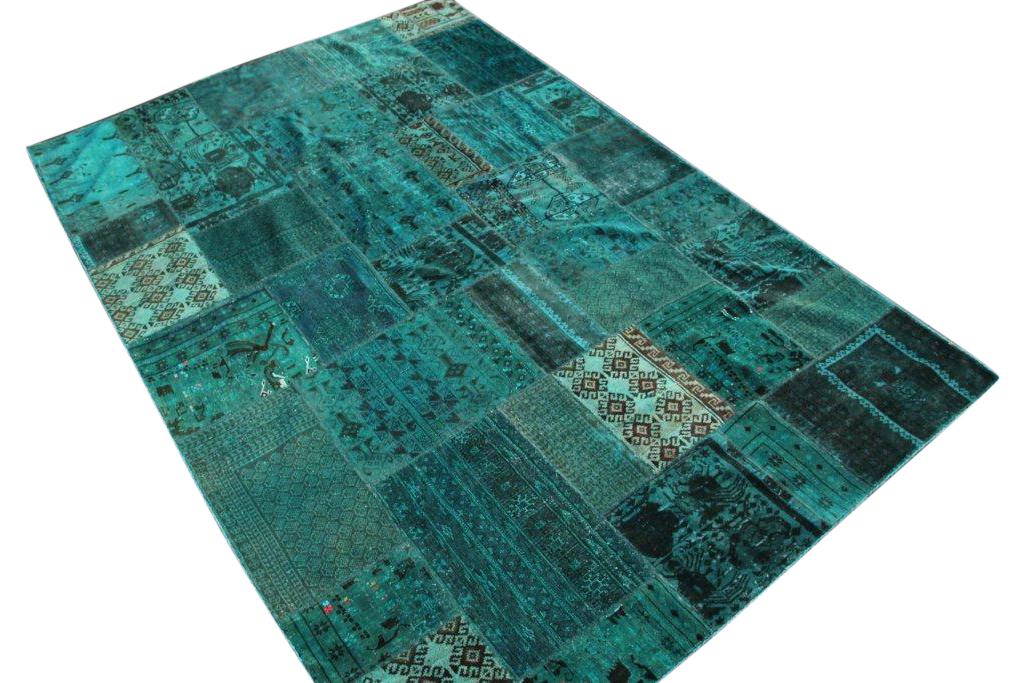 Zeegroen patchwork karpet  296cm x 203cm, no 51230 gemaakt uit oude perzen.