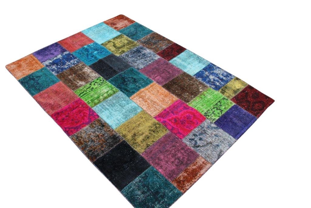 Patchwork kleed met meerdere kleuren 243cm x 172cm, no 51254 gemaakt uit oude perzen.