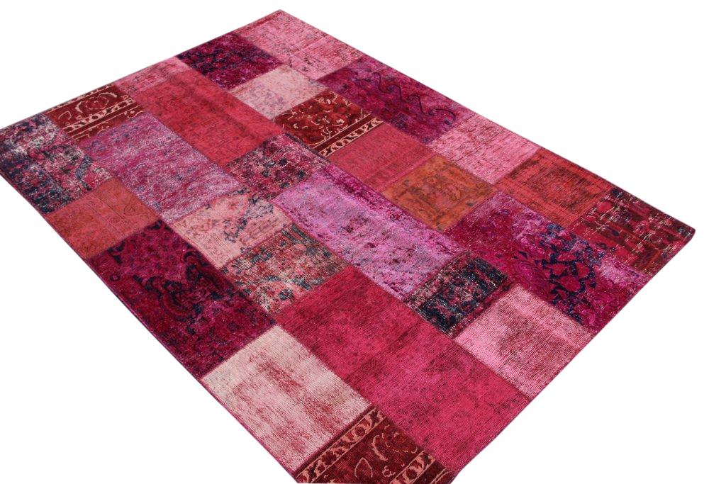 Patchwork kleed roze/rood 248cm x 175cm, no 51255 gemaakt uit oude perzen.