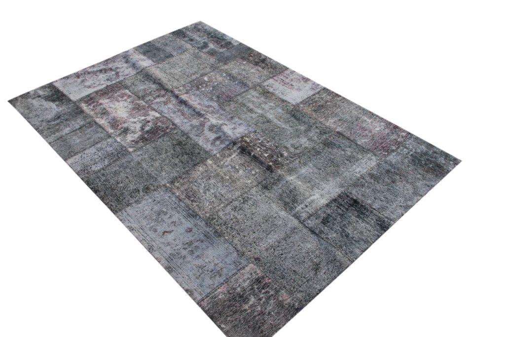 Patchwork kleed grijs/zwart 239cm x 170cm, no 51264 gemaakt uit oude perzen.