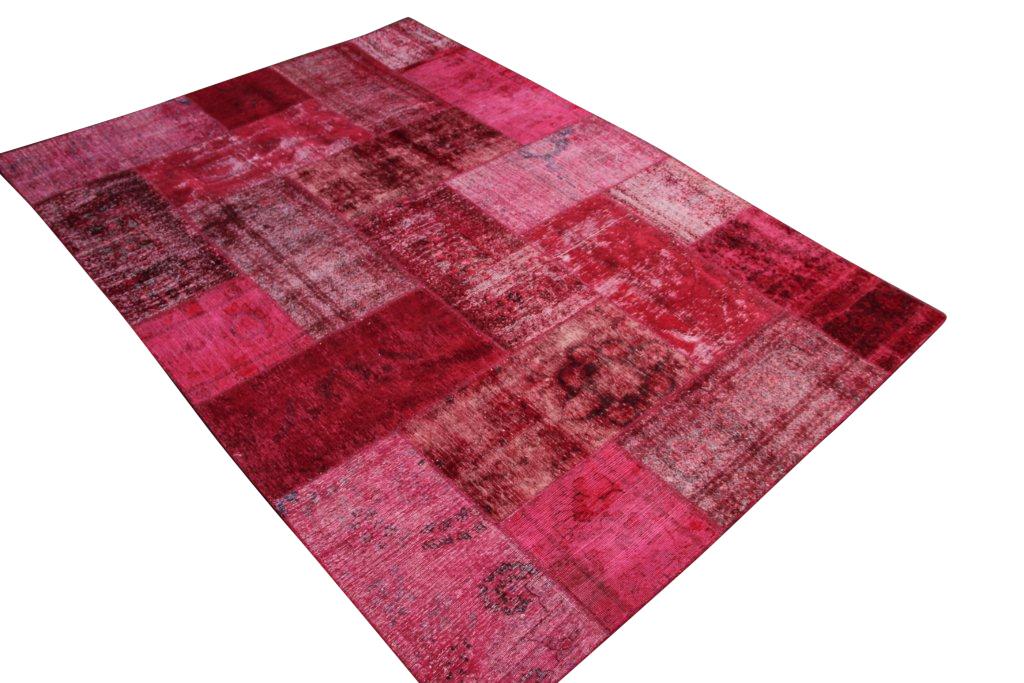 Hard roze rood patchwork vloerkleed uit Iran 300cm x 212cm, no 51277 gemaakt uit oude perzen.