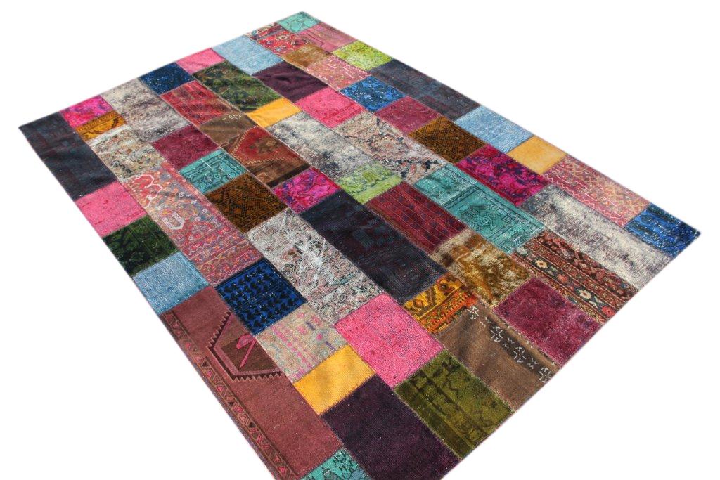 Patchwork vloerkleed met meerdere kleuren 305cm x 207cm, no 51289 gemaakt uit oude perzen.