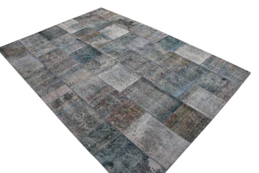 Patchwork kleed grijs 355cm x 247cm, no 51291 gemaakt uit oude perzen.