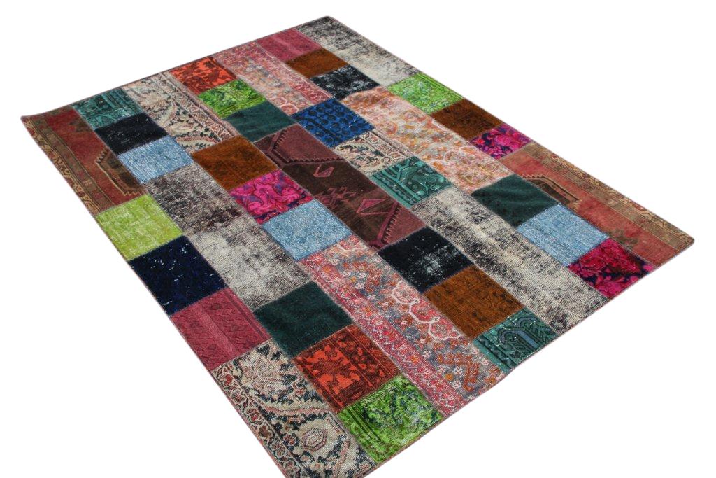 Patchwork karpet  meerdere kleuren 243cm x 182cm, no 51293 gemaakt uit oude perzen.
