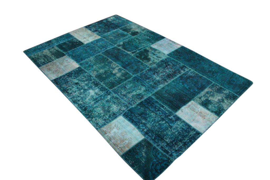 Zeegroen patchwork vloerkleed  305cm x 205cm, no 51296 gemaakt uit oude perzen.