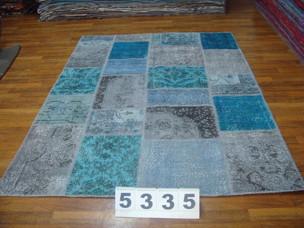 Grijs patchwork vloerkleed 5335 (240cm x 170cm) gemaakt van oude recoloured vloerkleden