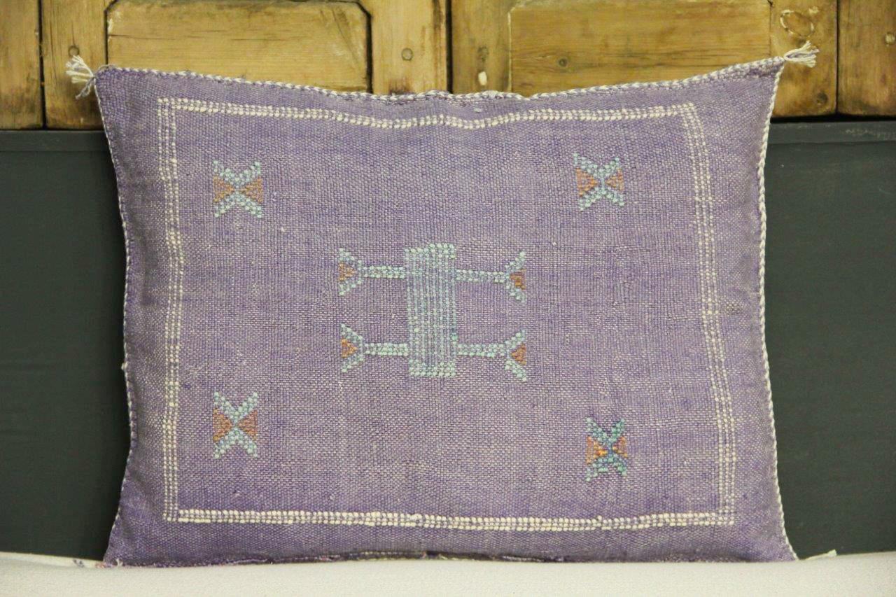 Sabra Kussen uit Marokko paars 60cm x 40cm incl vulling nr.54053