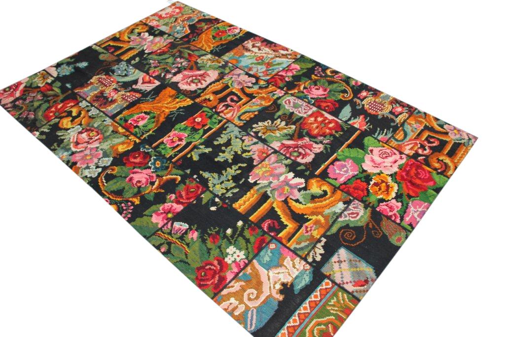 Kelim patchwork  598 (301cm x 198cm) rozenkelim patchwork, inclusief onderkleed van katoen.