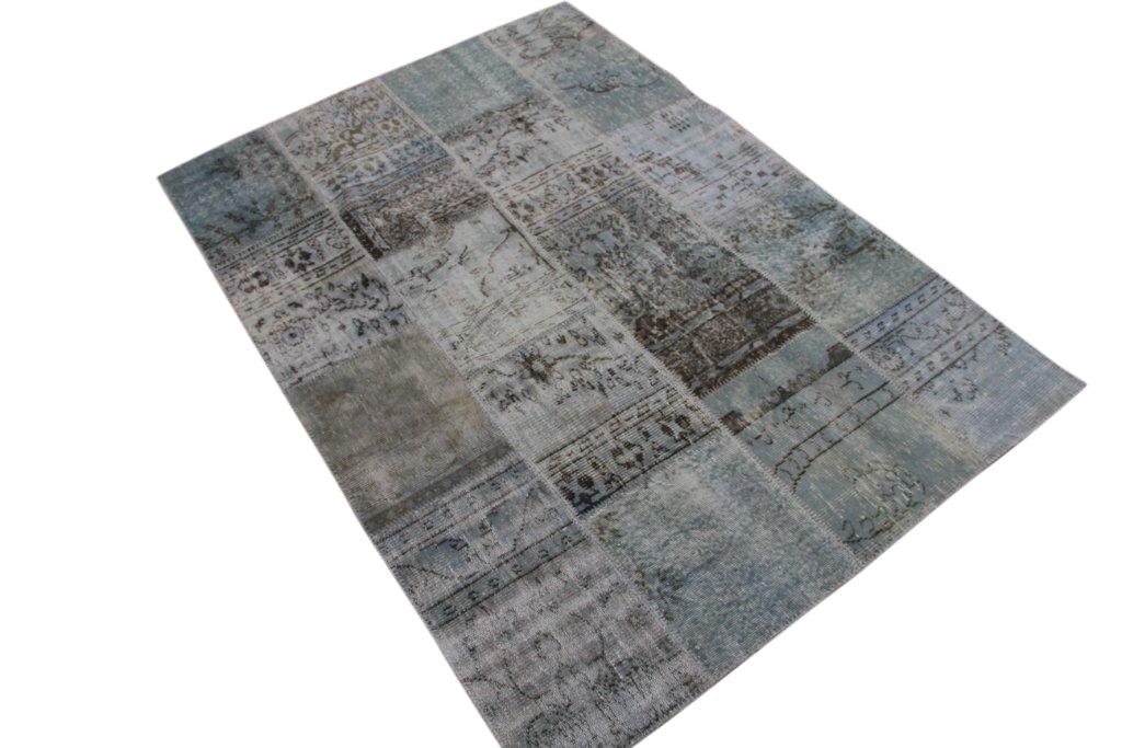 Licht blauw patchwork vloerkleed uit Turkije  238cm x 168cm, no 6002