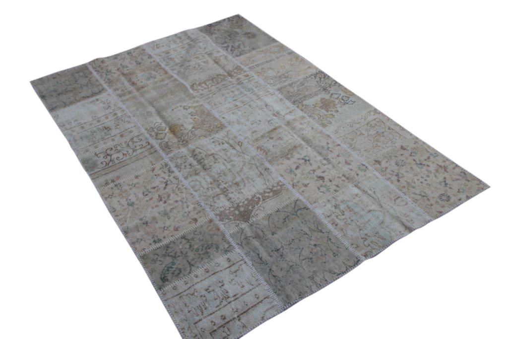 Zandkleurig patchwork vloerkleed gemaakt uit diverse oude kleden  237cm x 167cm, no 6004