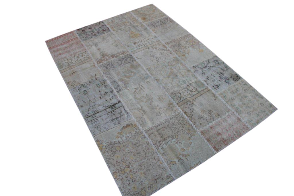 Zandkleurig patchwork vloerkleed uit Turkije  238cm x 169cm, no 6085