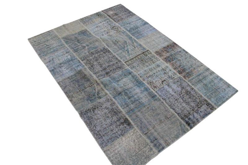 Licht blauw patchwork vloerkleed uit Turkije  239cm x 170cm, no 6093