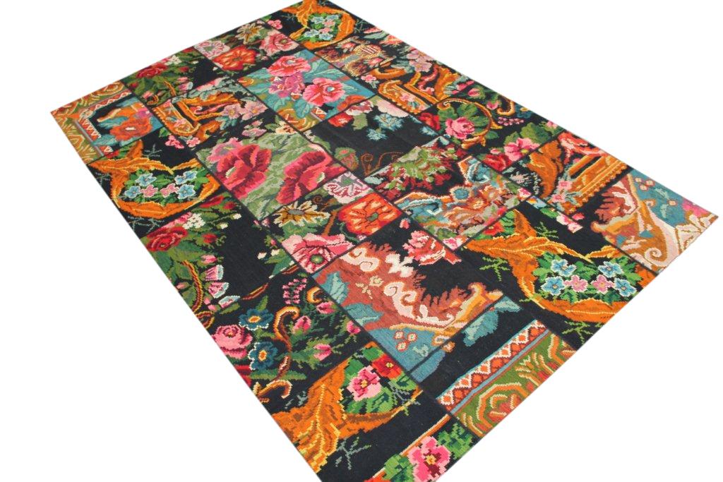 Kelim patchwork  609 (303cm x 201cm) rozenkelim patchwork, inclusief onderkleed van katoen.