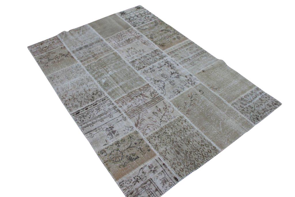 Zandkleurig patchwork vloerkleed gemaakt uit diverse oude kleden  238cm x 167cm, no 6105