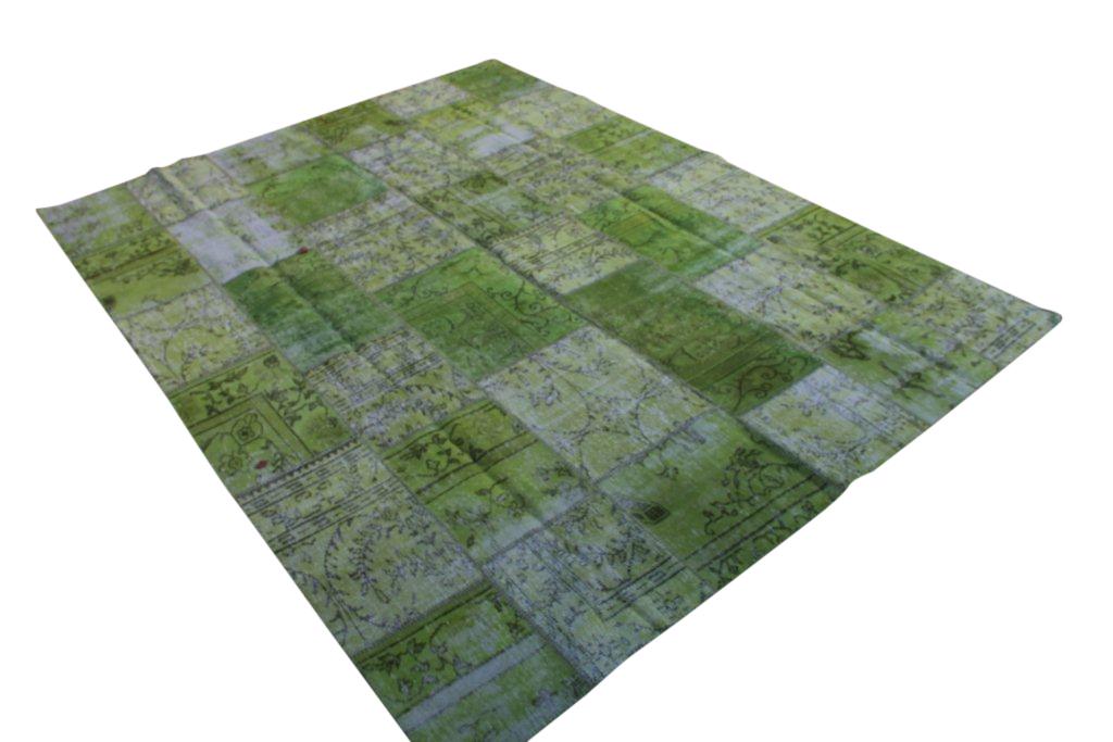 Groen patchwork vloerkleed gemaakt uit diverse oude kleden  340cm x 259cm, no 6130