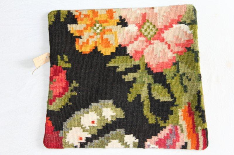 Vintage pillow 616 (40cm x 40cm)