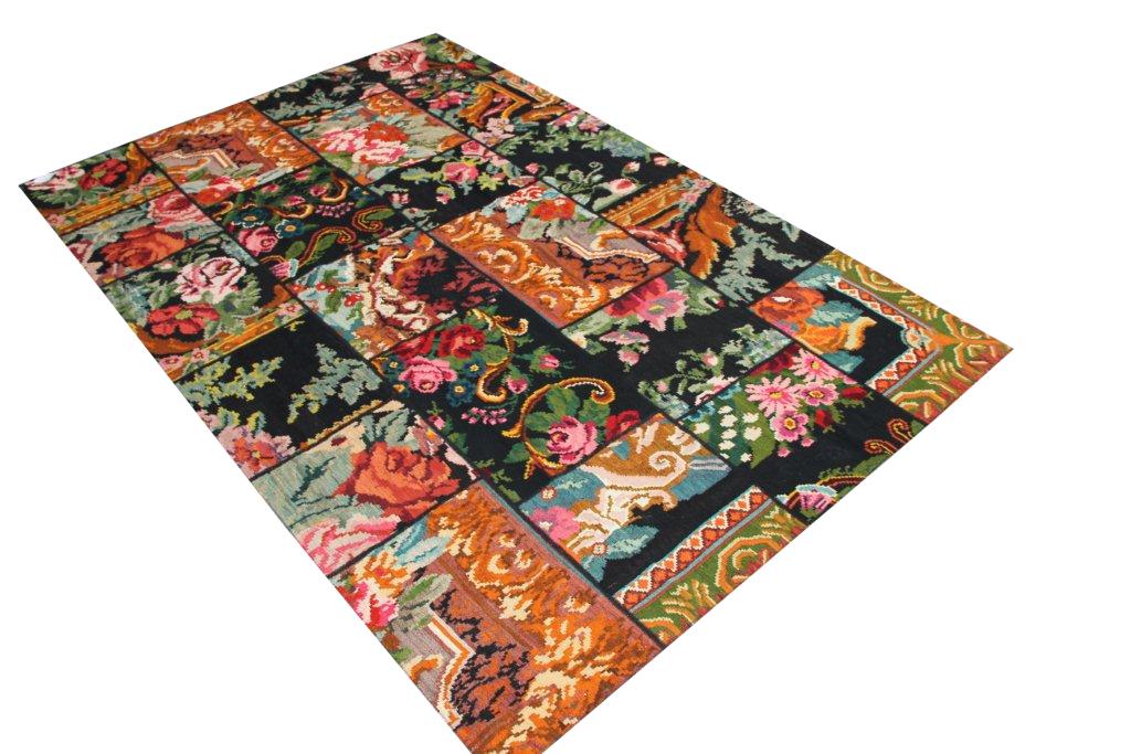 Kelim patchwork  618 (303cm x 202cm) rozenkelim patchwork, inclusief onderkleed van katoen.
