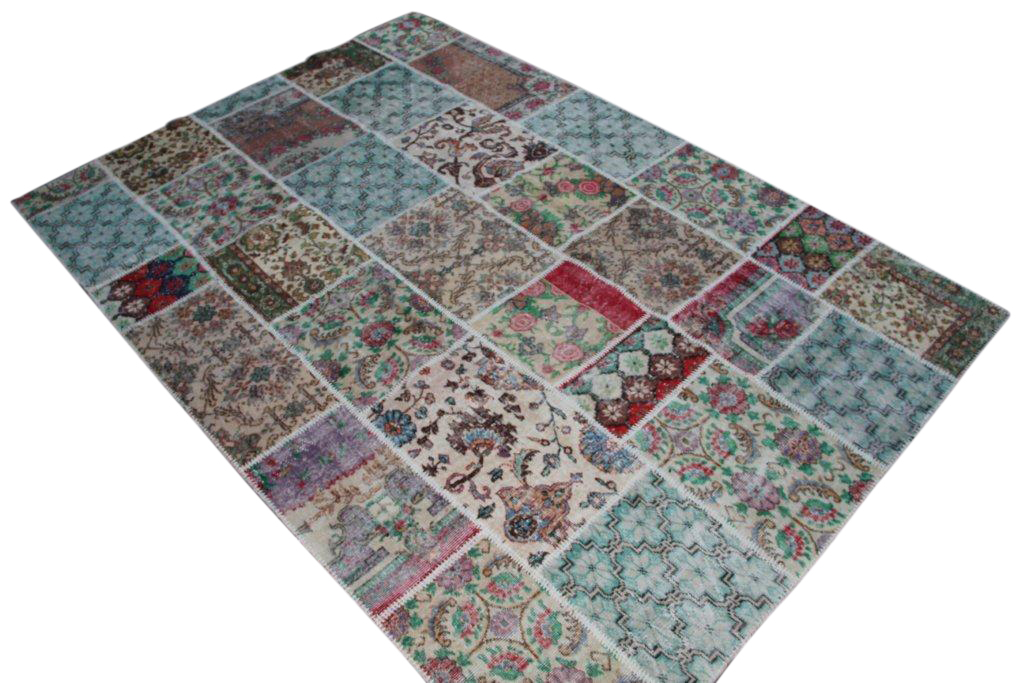 Patchwork vloerkleed met diverse kleuren, gemaakt uit oude kleden.  300cm x 208cm, no 6212