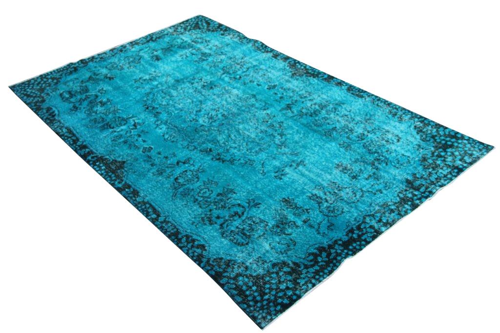 Blauw vloerkleed no 643  (268cm x 167cm) vloerkleed wat een nieuwe hippe trendy kleur heeft gekregen.