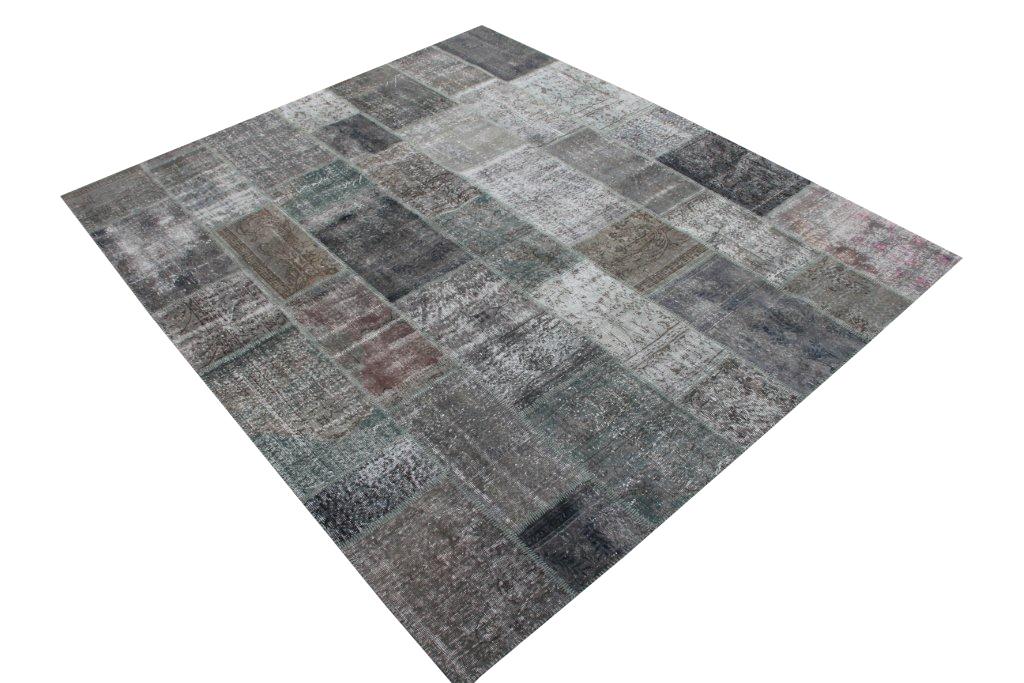 Vintage patchwork vloerkleed 669 (297cm x 252cm) gemaakt van recoloured vloerkleden