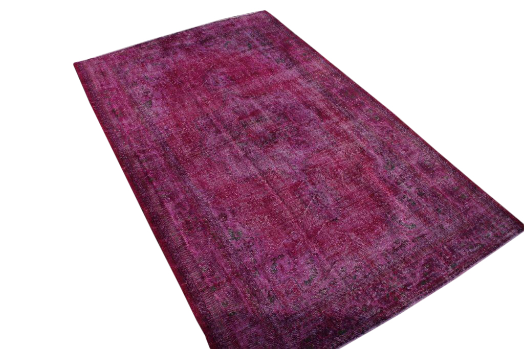 Recoloured klassiek vloerkleed nr 684 ( 290cm x 180cm) tapijt wat een nieuwe hippe trendy kleur heeft gekregen.