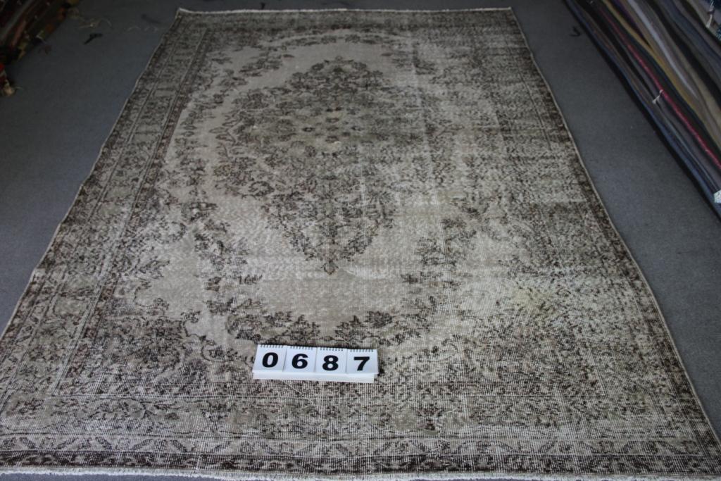 Grijs recoloured vintage vloerkleed nr 687    (295cm x  195cm) Dit vloerkleed wordt 15 oktober binnen verwacht.