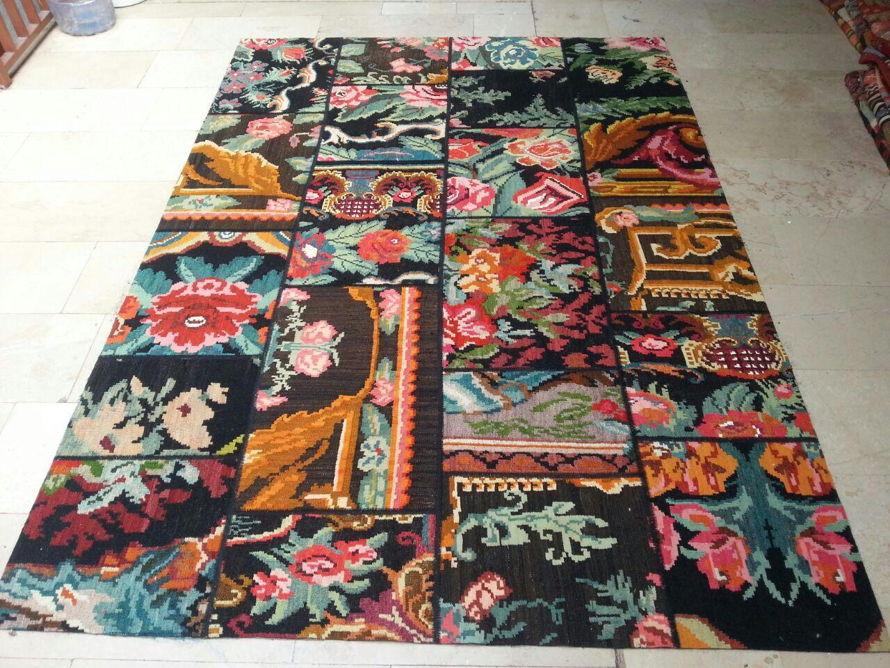 Rozenkelim patchwork  701 (240cm x 170cm) rozenkelim patchwork, inclusief onderkleed van katoen.