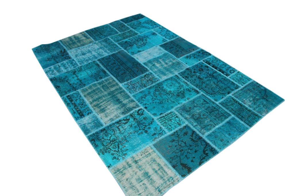 Zeegroen patchwork vloerkleed 7067D (300cm x 206cm) Dit kleed ligt bij zwaar tafelen in Amersfoort